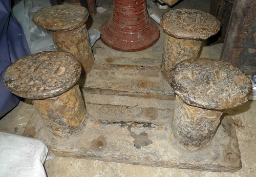 Set of 4 bollards can be used as table feet