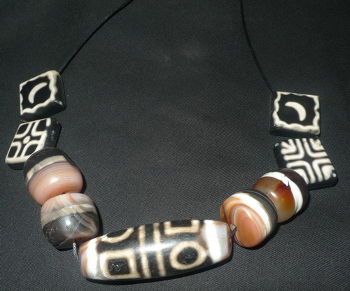 Dzi dzi beads necklace
